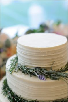 a simple cake accented with herbs  Photography By / suzannamarchphotography.com, Planning   Design By / trueevent.com