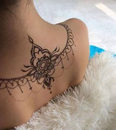 Best tattoos ideas for women ! Mehndi Tattoo, Henna Tattoo Back, Back Henna, Hawaiianisches Tattoo, Lace Tattoo, Henna Tattoo Designs, Mehndi Designs, Sternum Tattoo, Girly Tattoos