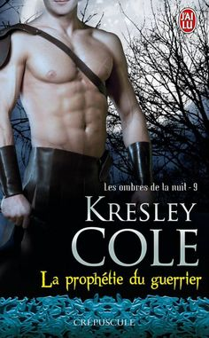 Les Ombres de La Nuit Tome 9 : La Prophétie du Guerrier de Kresley Cole - Vous savez quoi ? Jetez-vous dessus à sa sortie, il est trop bien, trop bon, top C'est clair, après avoir lu un récit pareil, on en ressort aussi électrisée qu'une Valkyrie en plein orgasme et croyez-moi c'est peu de le dire !
