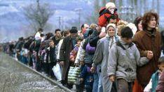 World Refugee Day: 15 storytelling photos of refugees around the world Help Refugees, Shiga, Your Smile, Make You Smile, Radios, World Refugee Day, Republic Of Macedonia, Amnesty International, Germany