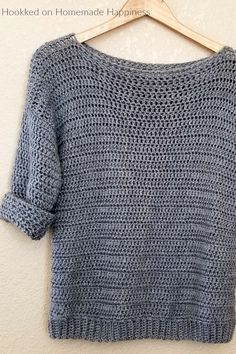 Crochet clothes 323414816988000867 - Simple Crochet Sweater Pattern – Hooked on Homemade Happiness Source by alineborre Blouse Au Crochet, Crochet Cardigan, Crochet Shawl, Crochet Sweaters, Crochet Jumpers, Crochet Granny, Crochet Simple, Love Crochet, Crochet Tops