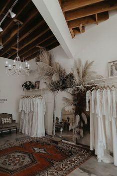 Bridal Boutique Interior, Boutique Interior Design, Boutique Decor, Showroom Design, A Boutique, Le Shop, Beauty Salon Interior, Decoration, Bridal Musings