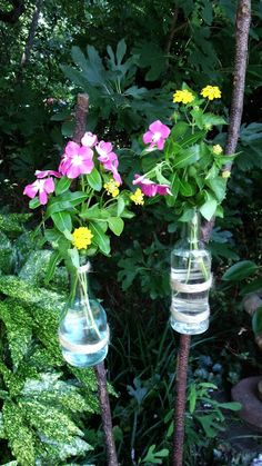 Upstairs Downstairs: Rustic Garden Bottle Stakes