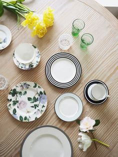 How To Mix 'n Match China for a Modern Registry    Let's be honest– one of the best parts about getting married is definitely creating your registry. Gifts that sporadically arrive on your doorstep?Adding fabulouslittle items that you never    http://feedproxy.google.com/~r/blogspot/mCAtj/~3/4Bj83S2XXy8/