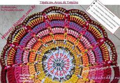 39 Patrones de mandalas en crochet Crochet Triangle Pattern, Crochet Circles, Crochet Stitches Patterns, Crochet Designs, Crochet Cup Cozy, Crochet Mat, Crochet Home, Crochet Doilies, Crochet Slippers
