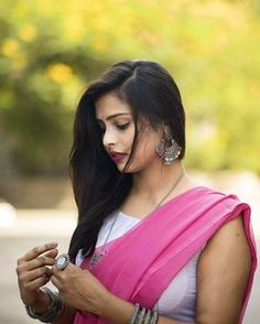 Image may contain: one or more people and outdoor Beautiful Girl Photo, Beautiful Girl Indian, Most Beautiful Indian Actress, Beautiful Saree, Beautiful Women, Goth Beauty, Indian Beauty Saree, Indian Sarees, Girl Photo Poses