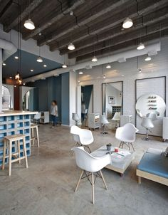"""""""OD"""" is the first blow dry bar in Yerevan, Armenia, created by a group of young and enthusiastic entrepreneurs. The primary goal was to create a new model of..."""