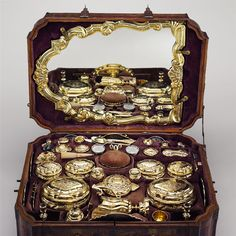 Toilet set in original leather case [Germany (Augsburg). ca.1743-45.