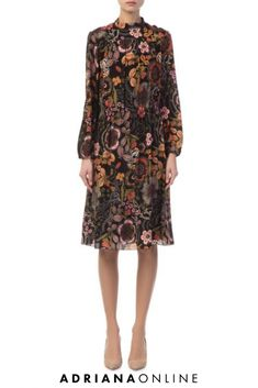 Get your wardrobe season-ready with this gorgeous floral midi dress - perfect fashion piece for many fall ocassions ; Floral Midi Dress, Black Midi Dress, Black Tunic, Floral Fashion, Missoni, Casual Dresses, Floral Prints, Fall, Womens Fashion