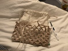 Crochet Handbags, Crochet Purses, Net Bag, Diy Hat, Macrame Bag, Freeform Crochet, Market Bag, Summer Hats, Knitted Bags