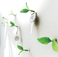 Leaf Wall Nails by designer Jeong Hwa Jin. Me'thinks tiny leaves are not the only thing going on my wall! Gadgets And Gizmos, Cool Gadgets, Wall Key Holder, Key Holders, Wall Nails, Wall Ornaments, Yanko Design, Design Design, Interior Design
