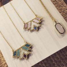 Seed Bead Necklace, Seed Bead Jewelry, Bead Jewellery, Diy Necklace, Beaded Earrings, Beaded Jewelry, Handmade Jewelry, Beaded Bracelets, Pendant Jewelry