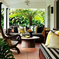 My Dream Home: 10 Porch Decorating Ideas for Every Style Best Outdoor Furniture, Home Furniture, Rustic Furniture, Antique Furniture, Furniture Ideas, Outdoor Living, Outdoor Decor, Outdoor Ideas, Backyard Ideas