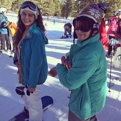 Sisters that snowboard together, stay together 🏂❄️⛄️ #snowboarding #mammoth