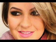 Maquiagem cintilante e batom rosa por Alice Salazar