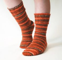 Ribbed Cuff Socks - KB Sock Loom (might be able to adapt for All-In-One Loom) http://www.knittingboard.com/ - dk weight yarn