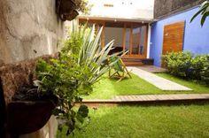 Suave jardim na entrada...
