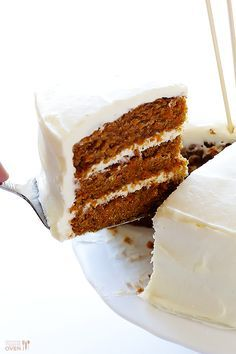 "Gluten-Free Carrot Cake Vegan Gluten-Free Carrot Cake -- made with a heavenly (vegan) ""cream cheese"" frosting Healthy Vegan Dessert, Cake Vegan, Vegan Treats, Vegan Foods, Vegan Recipes, Healthy Food, Healthy Cake, Yummy Food, Gluten Free Carrot Cake"