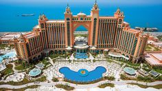 Atlantis, The Palm is a resort located on Dubai's reclaimed artificial island Palm Jumeirah. It was the first resort to be built on the island and is based on the myth of Atlantis includes distinc. Dubai Hotel, Dubai City, Hotel Subaquático, In Dubai, Palms Hotel, Dubai Desert, Visit Dubai, Dubai Uae, Hotel Deals
