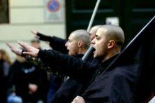 Si ritrovano per commemorare i caduti. Una manifestazione con croci celtiche, saluti romani e simboli fascisti. Ogni anno il 29 aprile richiama le sigle dell'estremismo. E la Lombardia si scopre laboratorio delle avanguardie nostalgiche: tra volantini per il compleanno di Hitler e raduni nazirock