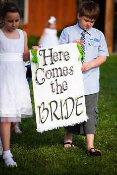 Cute announcement!!    photo: Visions by Heather