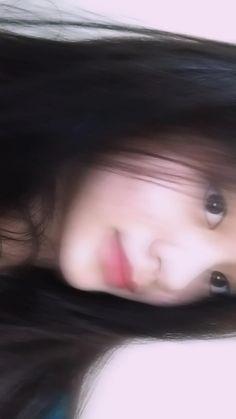 Girl Hiding Face, Girl Face, Filipino Girl, Filipina Beauty, Teen Girl Photography, Beautiful Girl Makeup, Cool Anime Girl, Cute Korean Girl, Cool Girl Pictures