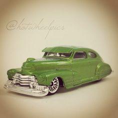 "'47 Chevy Fleetline - 2008 Hot Wheels ""Holiday Hot Rods"" #hotwheels   #toys   #diecast   #Christmas"