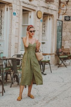 Linen Midi Dress with tortoiseshell buttons