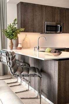 Joan Smalls Miami House Tour - Apartment Renovation in Miami by RH, Restoration Hardware Grey Kitchen Island, Grey Kitchen Cabinets, Kitchen Stools, Kitchen Decor, Kitchen Ideas, Kitchen Designs, Basement Kitchen, Kitchen Units, Counter Stools