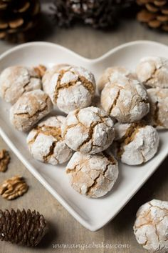 Orechové crinkles - My site Christmas Sweets, Christmas Recipes, Desert Recipes, Crinkles, Healthy Cooking, Food Hacks, Food Inspiration, Cookie Recipes, Valspar