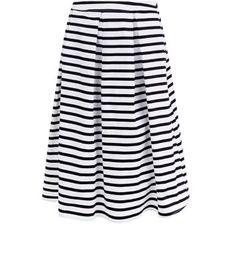"""Co-ords are great for summer evening styles - try this stripe balloon midi skirt with a crop top and black ankle strap heels.- Matching crop top available- All over stripe print- Flared design- Casual fit- Midi length- Pleated design- Model is 5'8""""/176cm and wears UK 10/EU 38/US 6"""