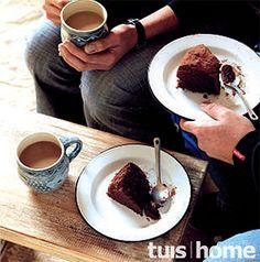 Klam Sjokolade Koek - Heerlik! Kos, Tea Time, Icing, French Toast, Recipies, Deserts, Cooking Recipes, Pudding, Cupcakes