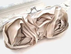 handmade wedding...LOVE this clutch! Makes a great bridesmaid gift!