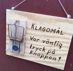 Klagomål Funny Facts, Funny Signs, Funny Quotes, Funny Memes, Cool Pictures, Funny Pictures, Bra Hacks, Lol, Happy Fun