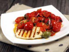 Halloumi la gratar cu ardei si rosii cherry Waffles, Pancakes, Halloumi, Lunch, Cooking, Breakfast, Greece, Recipes, Salads