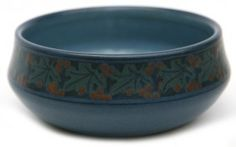 Marblehead Pottery (1904-1936) - Low Bowl. Painted and Matte-Glazed Pottery. Marblehead, Massachusetts. Circa 1900.
