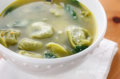 Spinach Tortellini en Brodo - This soup is great when you want to make a quick one pot meal.