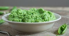 Spring Pea Pâté with Caramelized Onions Frozen Peas, Fresh Mint, Yummy Appetizers, Caramelized Onions, Ricotta, Italian Recipes, Spring, Ethnic Recipes, Food
