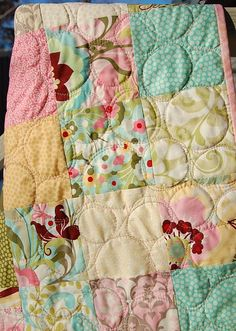 Easy free-motion quilting design. Great for the home sewing machine.