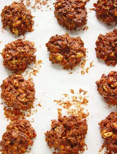 Want to make a batch of cookies for the holidays, a party, or just for dessert? Why not do it the easy way. These no-bake cookies are the easiest dessert recipes of all time. Healthy Oat Cookies, Chocolate Oatmeal Cookies, Oatmeal Cookie Recipes, Raisin Cookies, Healthy Food Choices, Healthy Dessert Recipes, Healthy Snacks, Healthy Tuna, Diabetic Desserts