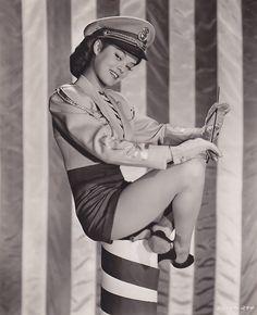 Dona Drake, 1943.