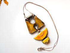 Collana giallo sole, collana raku gialla, argento 925, raku e argento, collana lunga, artigianale,design astratto,colori giallo e oro, unico