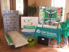 A troop leader shares many Girl Scout World Thinking Day Ideas including Ireland.  Read about their International celebration at Girl Scout Leader 411 MakingFriends.com