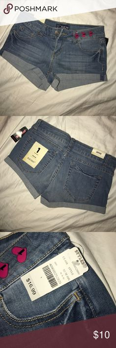 ✨ styles for less ✨ shorts NWT! Shorts