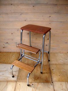 Oude Brabantia kruk met trap. http://hetleukstevan.nl/winkel/oude-brabantia-kruk-met-trap/