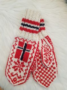 Votter med Norsk flagg Baby One More Time, Drops Design, Flag, Knitting, Winter, Sweaters, Decor, Fashion, Threading