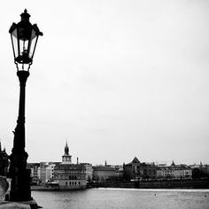 Escrevendo sobre Praga e sentindo saudades de cada detalhe daquela cidade linda!  #Praga #Prague #pb #Republicatcheca #cz #wanderlust #europe #europa #eurotrip #viajandopeloMD #travelblogger #zigadazuca
