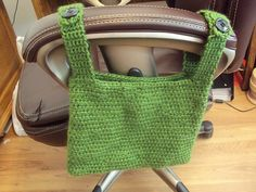 Chair tote... Would be great for use on shopping carts, baby strollers, bicycle bars, walkers, towel bars, or in golf carts, motorhomes, cars... The possibilities are endless! :-)  #crochet