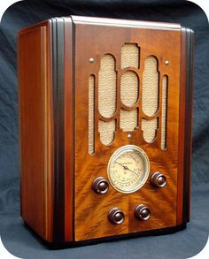 ATWATER KENT 856 TOMBSTONE RADIO ANTIQUE ART DECO AM TUBE WOOD TABLE RetroDudes