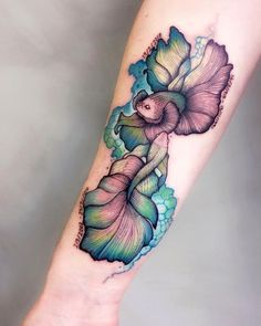 36 Stunning Pisces Tattoos That Capture The Uniqueness Of The Sign Twin Tattoos, Palm Tattoos, Cancer Tattoos, Up Tattoos, Foot Tattoos, Sleeve Tattoos, Tatoos, Ocean Tattoos, White Tattoos
